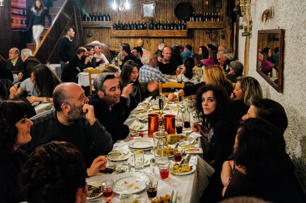 Uit eten goede vrijdag Grieks Pasen