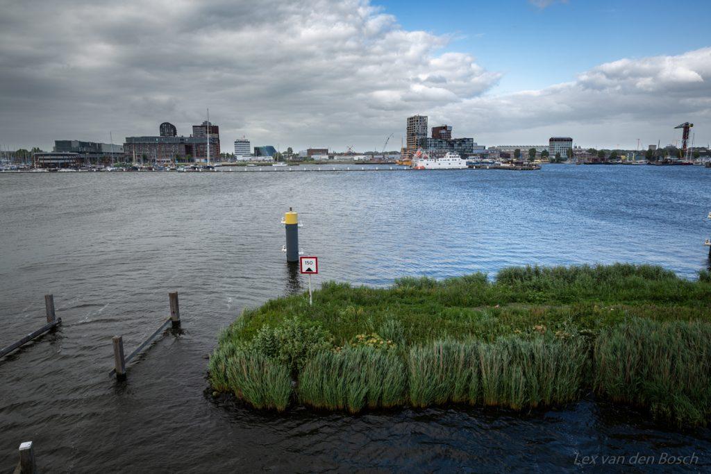 Stadslandschap aan het Amsterdamse IJ