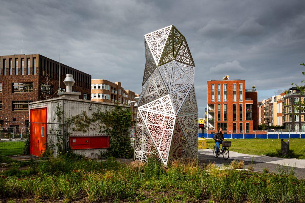 Stadslandschap met Nieuwbouw ten westen van het centraal station in Amsterdam