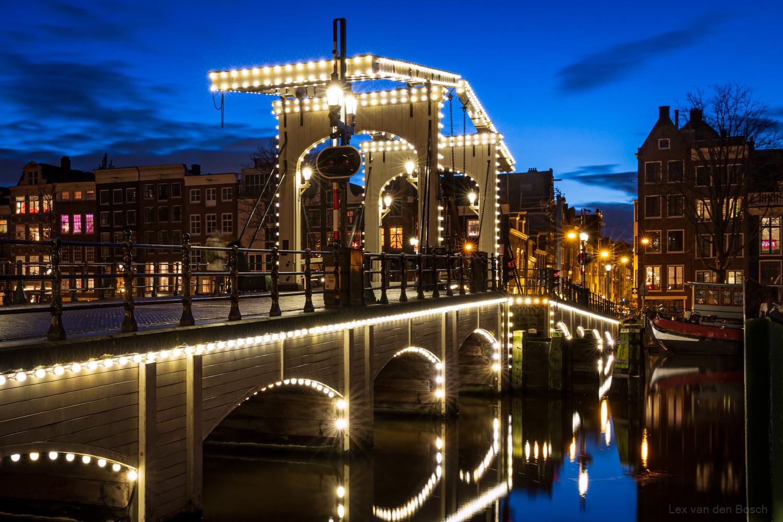 Nachtfotografie in hartje Amsterdam vanaf statief